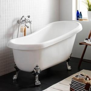 Svart badkar med tassar